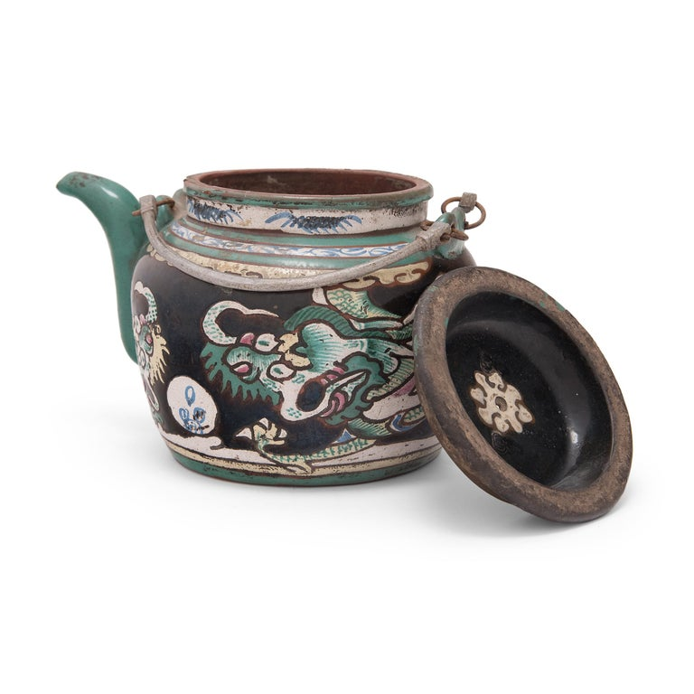 Chinese Enamelware Teapot with Twin Dragons, c. 1900 In Good Condition For Sale In Chicago, IL