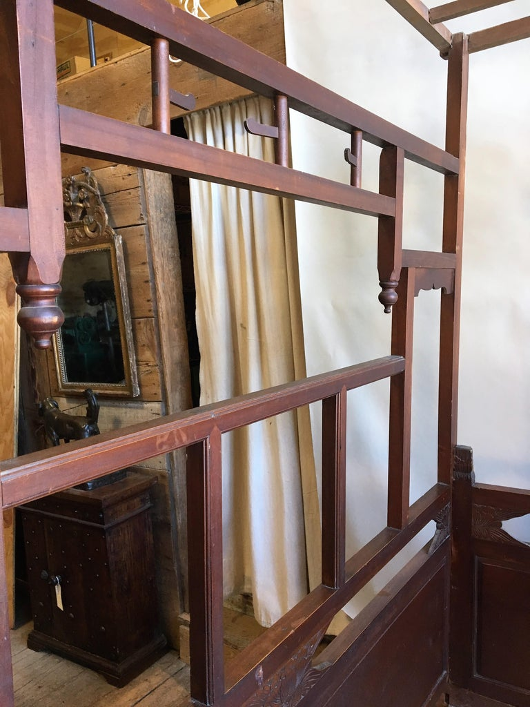 Chinese Enclosed Bed, Late 19th Century For Sale 5