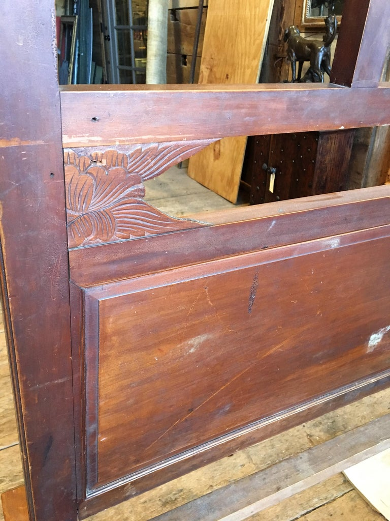 Chinese Enclosed Bed, Late 19th Century For Sale 4