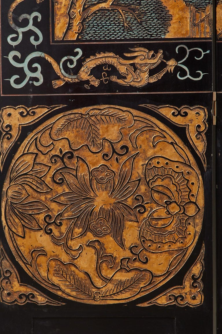 Chinese Export Eight-Panel Gilt Lacquered Coromandel Screen For Sale 9