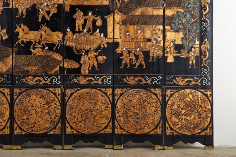 Chinese Export Eight-Panel Gilt Lacquered Coromandel Screen For Sale 3