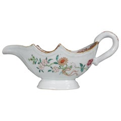 Chinese Export Famille Rose Sauce Boat Qianlong, circa 1750