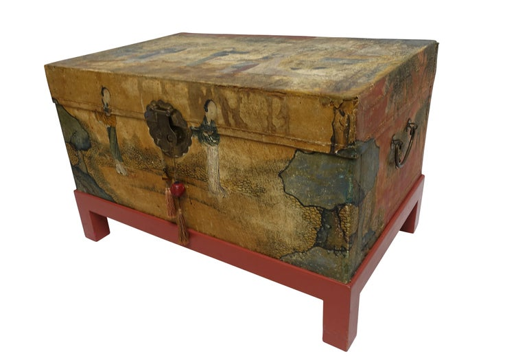 Chinese Export Hand-Painted Leather Trunk on Stand, Early 20th Century In Excellent Condition In San Francisco, CA