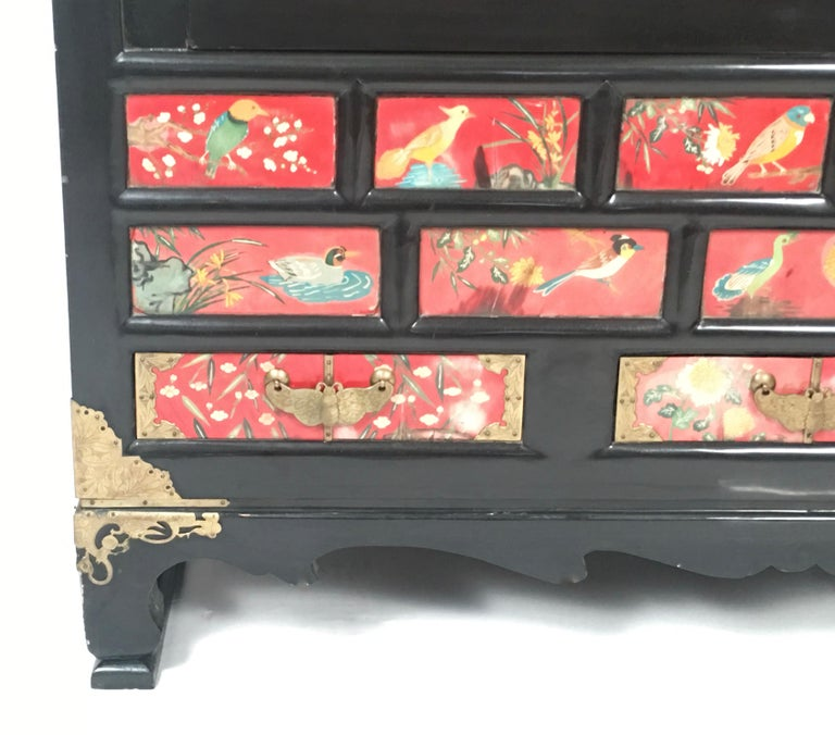 Chinese Export Lacquered Cabinet with Hand-Painted Bird Decorated Panels For Sale 10