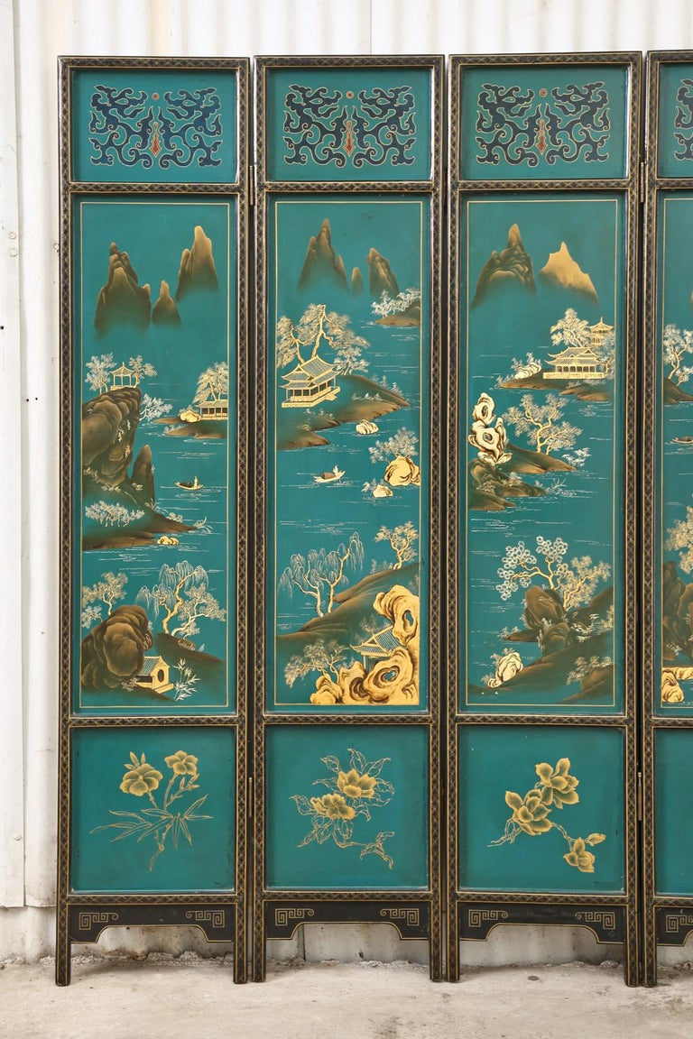 Chinese Export Lacquered Six Panel Coromandel Screen In Distressed Condition For Sale In Rio Vista, CA