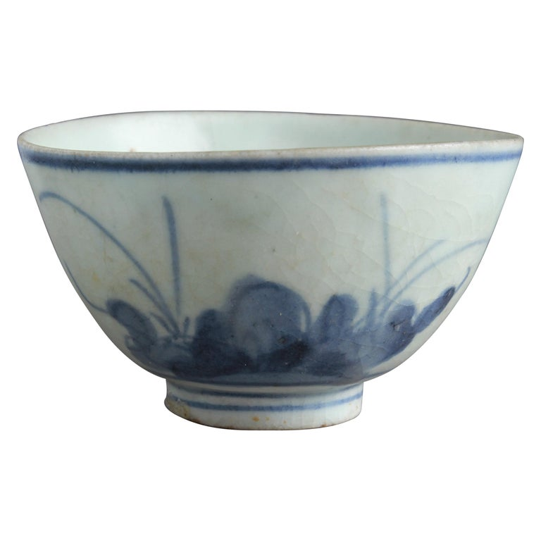 Chinese Export Porcelain Blue and White Teacup For Sale