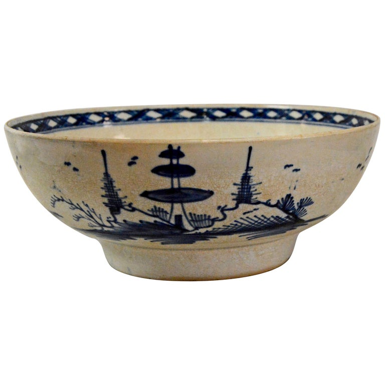Chinese Export Porcelain Bowl For Sale