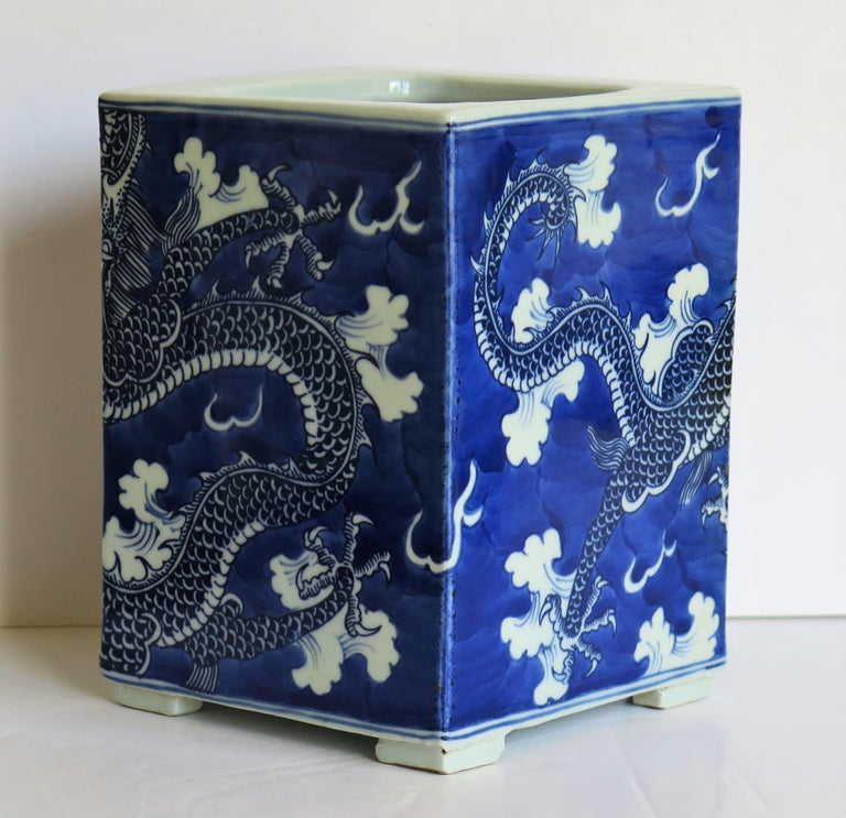 Chinese Export Porcelain Brush Pot Blue and White Hand Painted Dragons For Sale 9