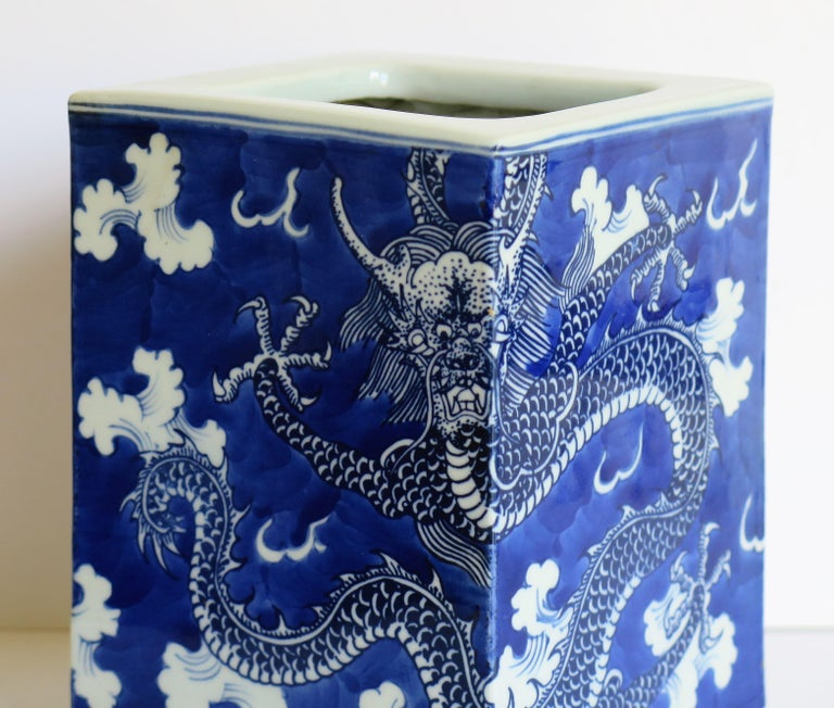 Chinese Export Porcelain Brush Pot Blue and White Hand Painted Dragons For Sale 10