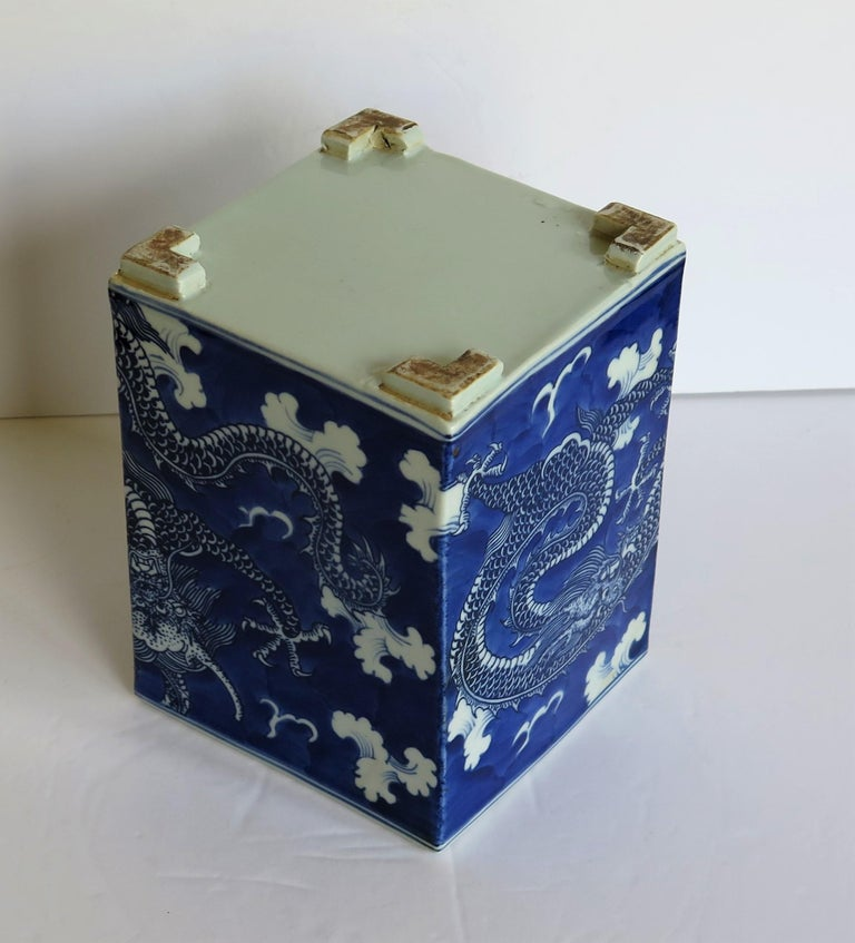 Chinese Export Porcelain Brush Pot Blue and White Hand Painted Dragons For Sale 12