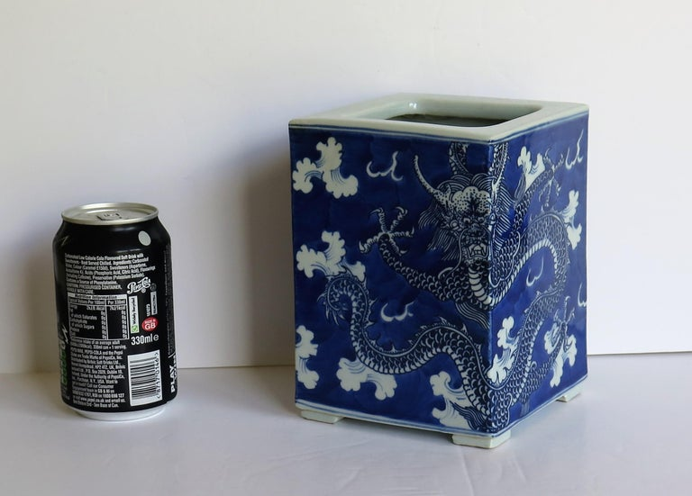 Chinese Export Porcelain Brush Pot Blue and White Hand Painted Dragons For Sale 15