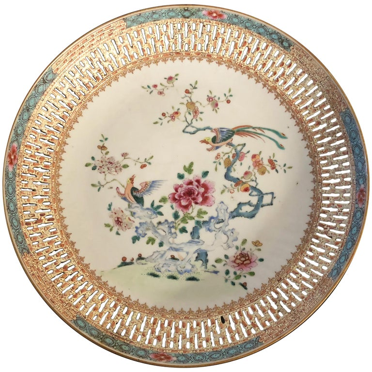 Chinese Export Porcelain Openwork Dish from the Qianlong Period For Sale