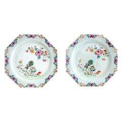 Chinese Export Porcelain Pair of Octagonal Plates, Qianlong '1736-1795'