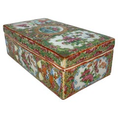 Chinese Export Porcelain Rose Medallion Brush Box with Bats, Canton, circa 1870