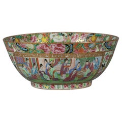 Chinese Export Rose Mandarin Bowl, circa 1820