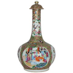 Chinese Export Rose Mandarin Lidded Bottle Vase, Early 19th Century