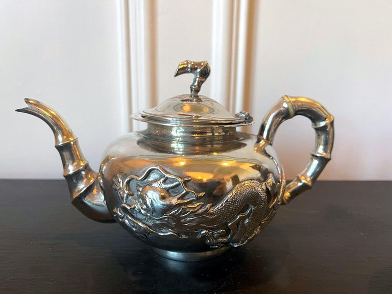 Chinese Export Silver Tea Set with Original Box Zee Wo In Good Condition For Sale In Atlanta, GA