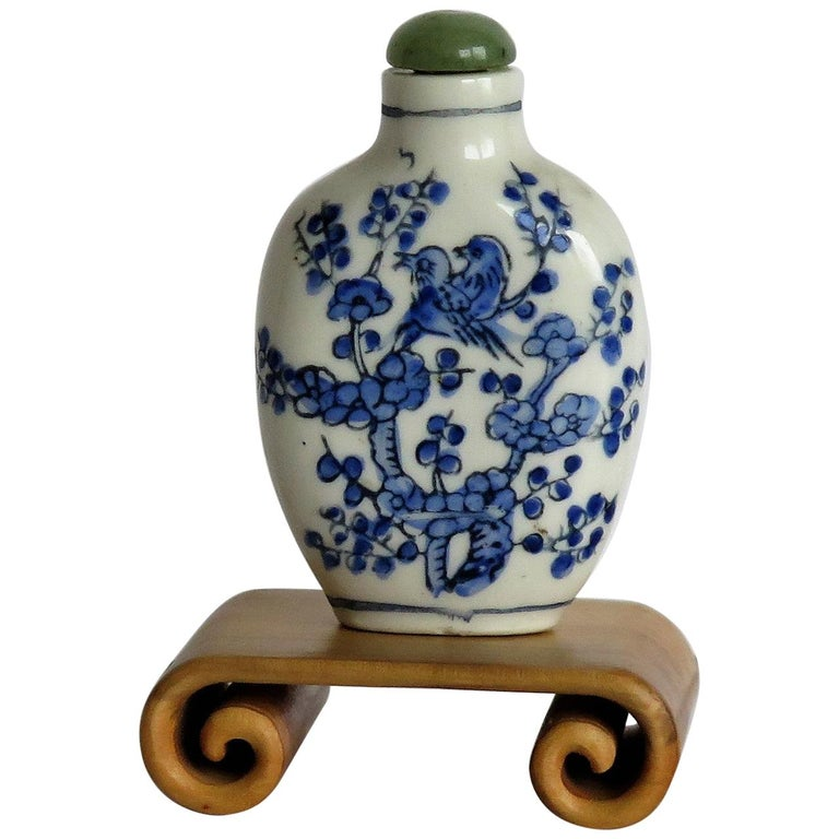 Chinese Export Snuff Bottle Porcelain Hand Painted with Hardwood Stand For Sale