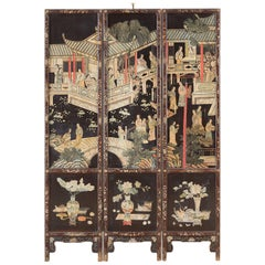 Chinese Export Three-Panel Lacquered Coromandel Screen