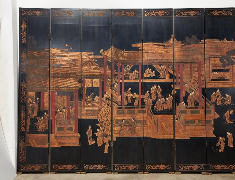 Chinese Export Twelve-Panel Lacquered Coromandel Screen In Good Condition For Sale In Oakland, CA
