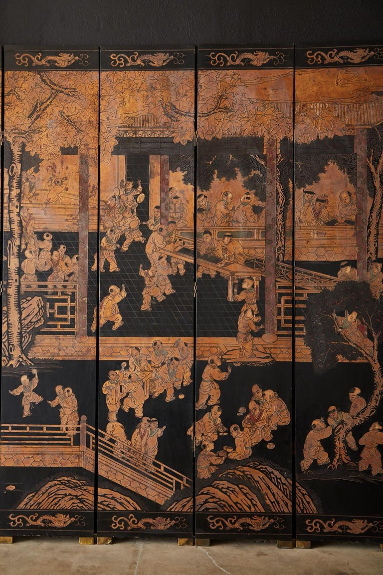 Chinese Export Twelve-Panel Lacquered Parcel-Gilt Coromandel Screen In Good Condition In Oakland, CA