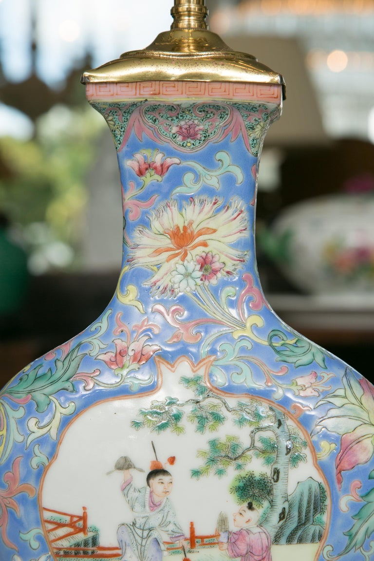 Embossed Chinese Export Vase as Table Lamp For Sale
