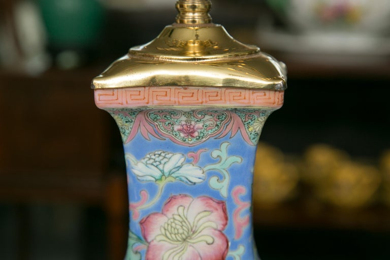 Chinese Export Vase as Table Lamp In Good Condition For Sale In WEST PALM BEACH, FL