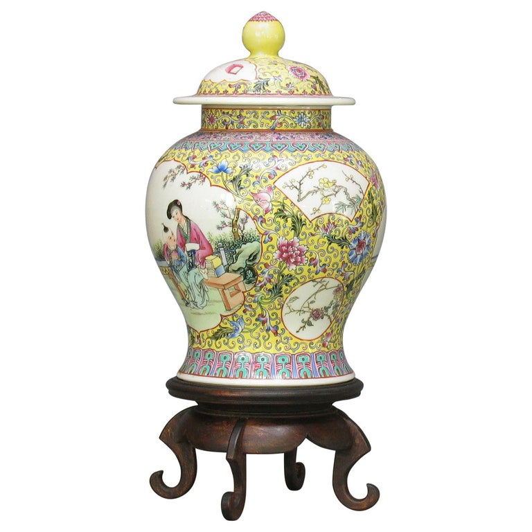 Chinese Famille Rose Baluster Jar and Cover on Stand For Sale