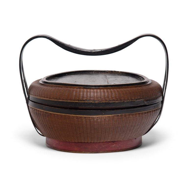 Lacquered Chinese Finely Woven Box with Handle, circa 1900 For Sale