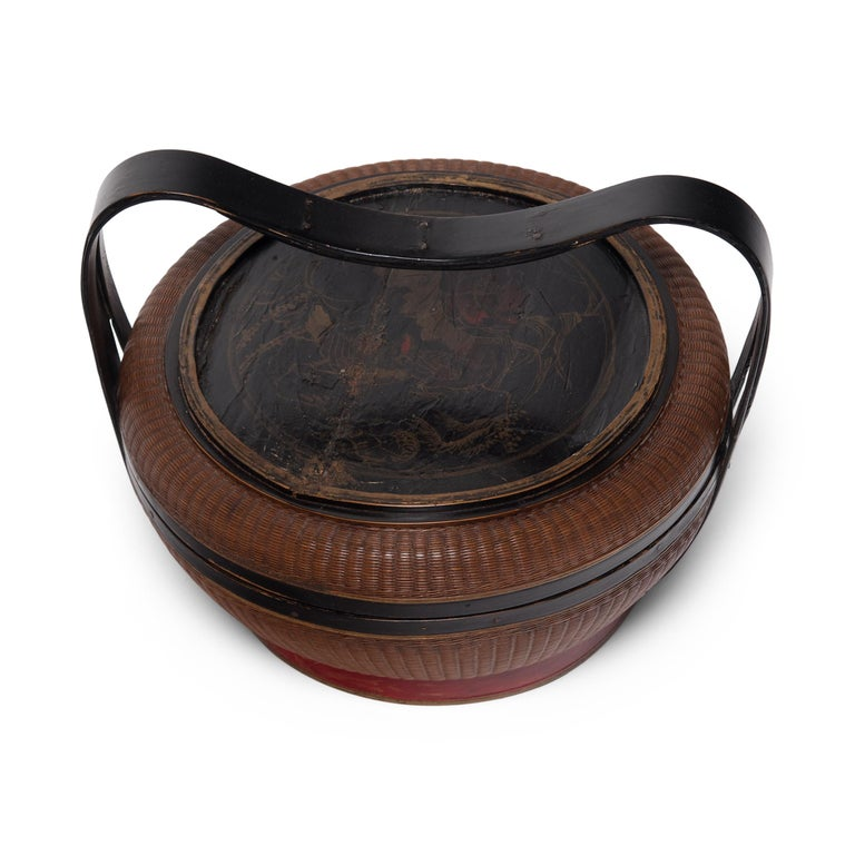20th Century Chinese Finely Woven Box with Handle, circa 1900 For Sale