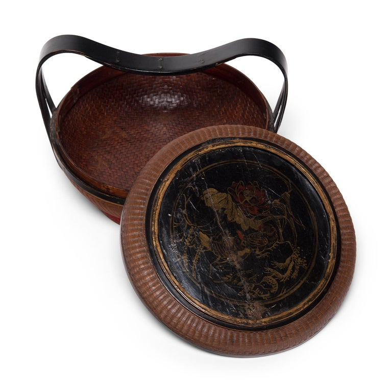 Chinese Finely Woven Box with Handle, circa 1900 For Sale 1