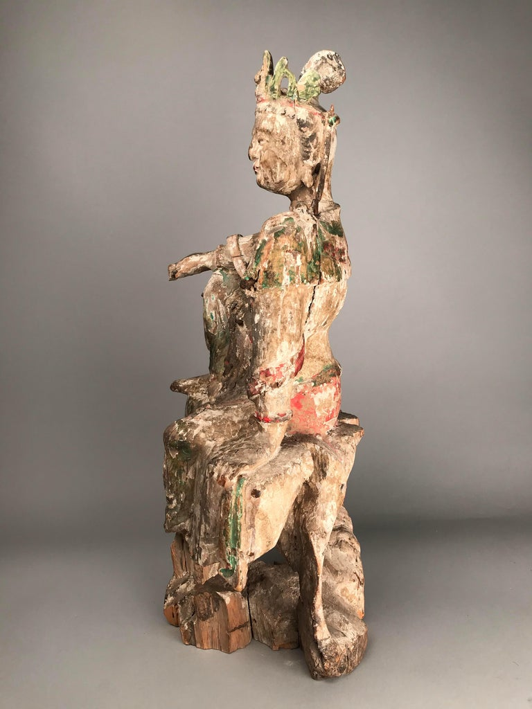 Wood Chinese Guan Yin figure Early Ming Dynasty For Sale