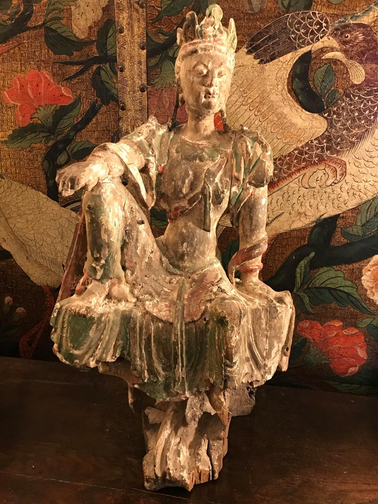 Chinese Guan Yin figure Early Ming Dynasty For Sale 3