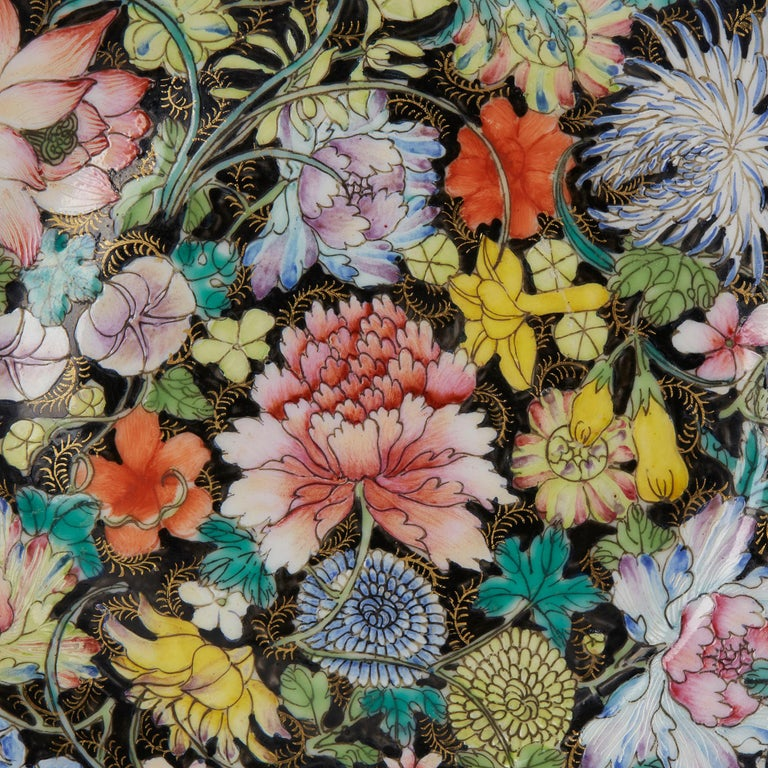 Chinese Guangxu Millefleur Plate, 1875-1908 In Good Condition For Sale In Bishop's Stortford, Hertfordshire