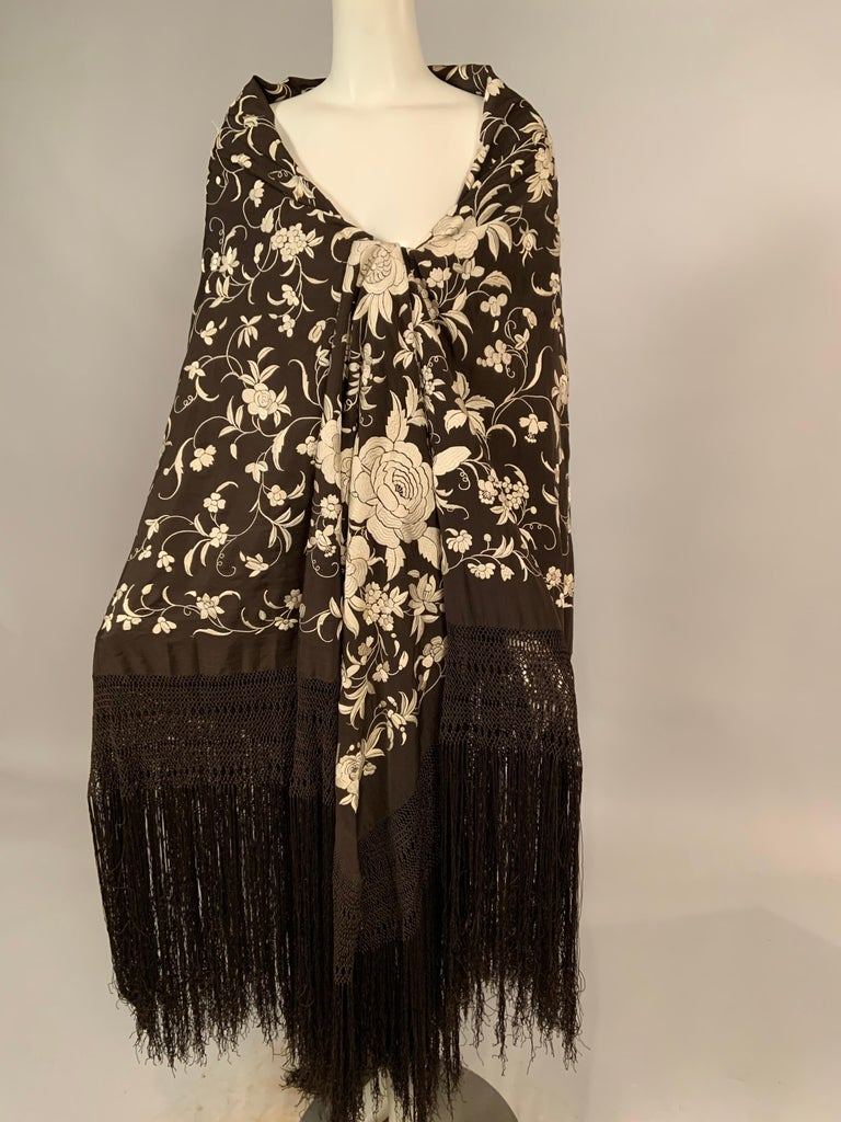 https://a.1stdibscdn.com/chinese-hand-embroidered-silk-shawl-vanilla-embroidery-on-chocolate-brown-silk-for-sale-picture-5/v_47/1582515487431/mobilejpegupload_1C66BB80AC3E4C278EC3003947A5408D_master.jpg?width=768