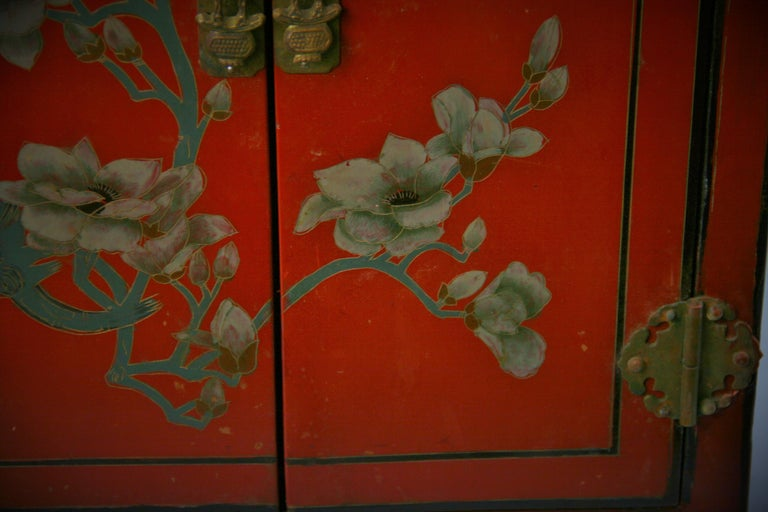 Chinese Hand Painted Cabinet/Side Table For Sale 1
