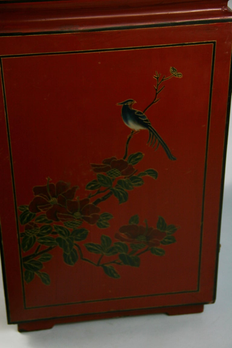 Chinese Hand Painted Cabinet/Side Table For Sale 3