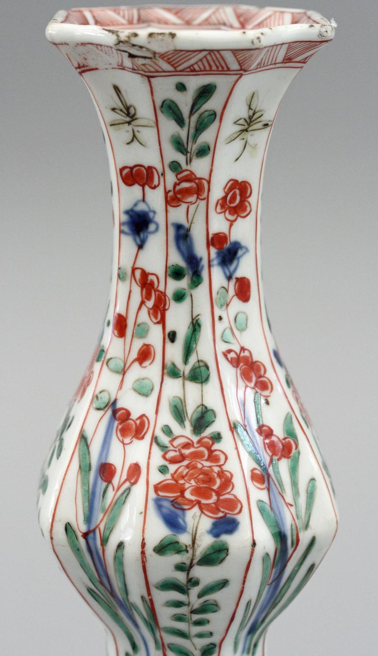 Chinese Kangxi Octagonal Famille Verte Floral Painted Porcelain Vase For Sale 8