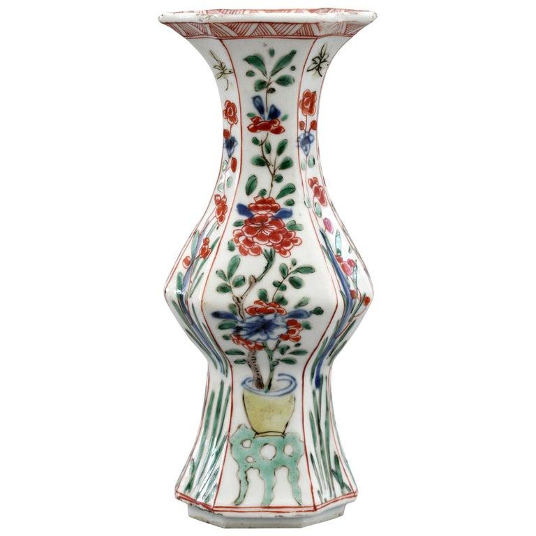 Chinese Kangxi Octagonal Famille Verte Floral Painted Porcelain Vase For Sale