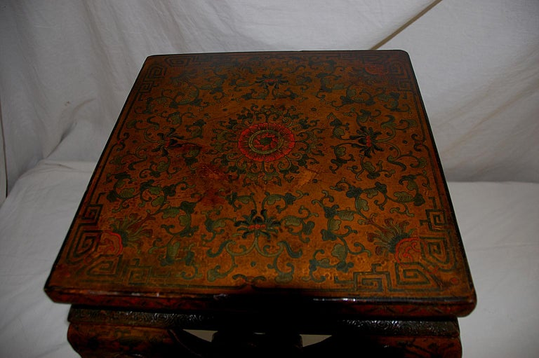 19th Century Chinese Kuang Hsu Period Lacquered Hand Painted Square Waisted Stool For Sale