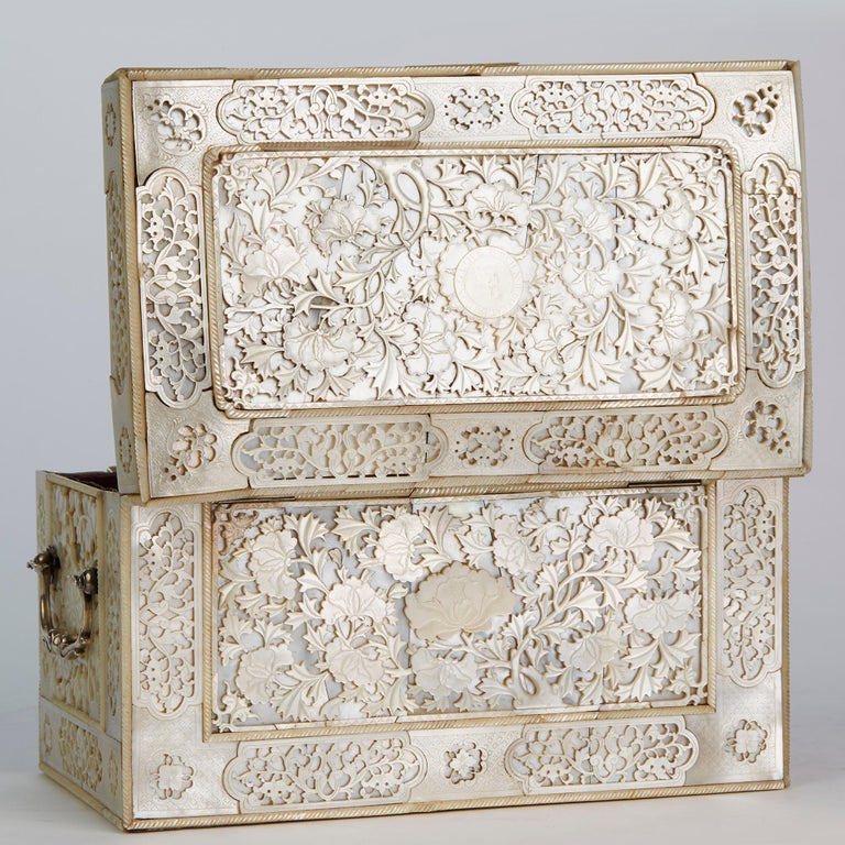 Chinese Large Mother of Pearl Mounted Armorial Tea Caddy for MacPherson For Sale 6