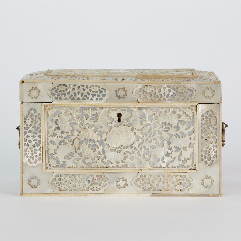 Chinese Large Mother of Pearl Mounted Armorial Tea Caddy for MacPherson For Sale 7