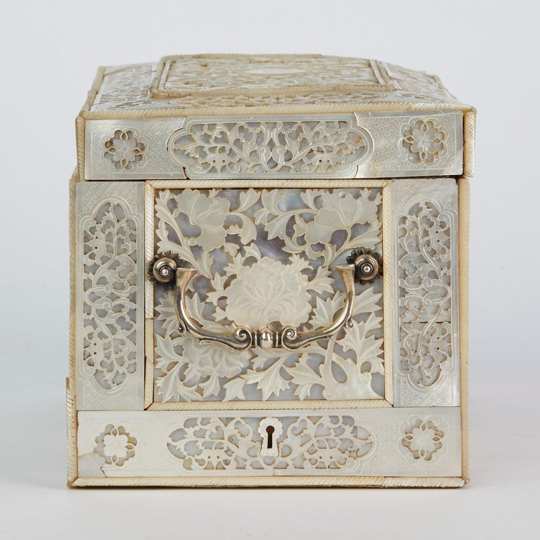Chinese Large Mother of Pearl Mounted Armorial Tea Caddy for MacPherson For Sale 8