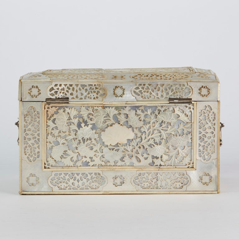 Chinese Large Mother of Pearl Mounted Armorial Tea Caddy for MacPherson For Sale 9