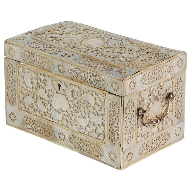 Chinese Large Mother of Pearl Mounted Armorial Tea Caddy for MacPherson For Sale