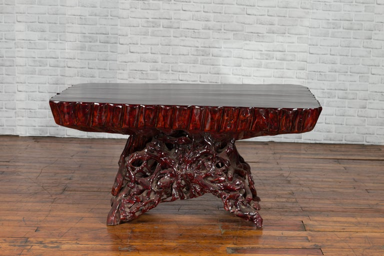 Chinese Late 20th Century Hand Carved Lacquered Azalea Wood Root Coffee Table In Good Condition For Sale In Yonkers, NY