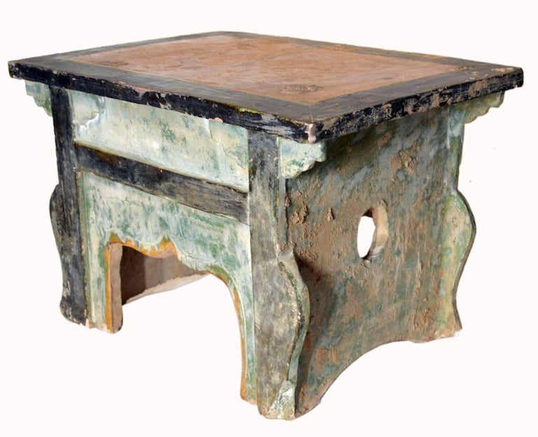 Chinese Ming Dynasty Petite Glazed Terracotta Bench from the 17th Century For Sale 1