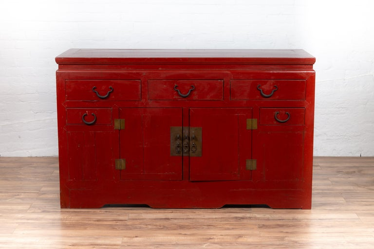 Chinese Ming Dynasty Style Red Lacquered Console Cabinet with Doors and Drawers In Good Condition For Sale In Yonkers, NY