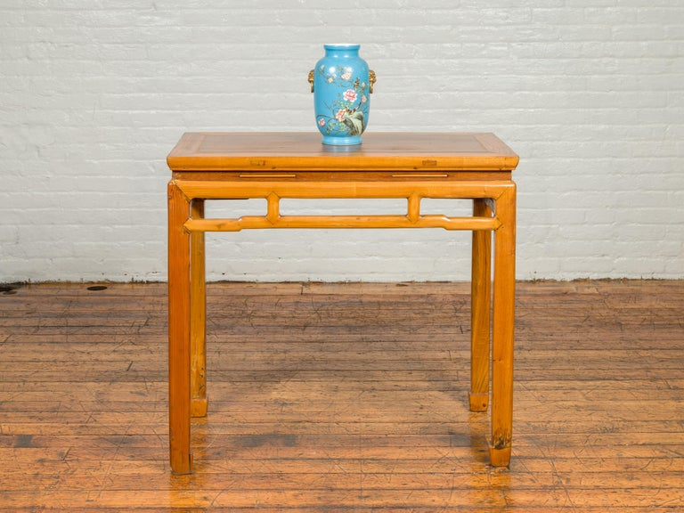 Chinese Ming Dynasty Style Vintage Elm Waisted Table with Humpbacked Stretcher In Good Condition For Sale In Yonkers, NY