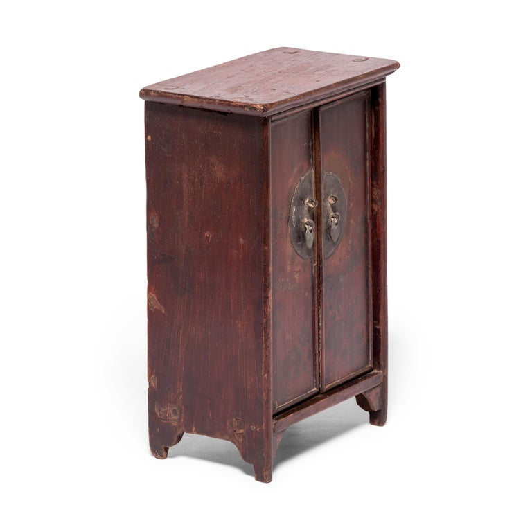 Chinese Miniature Noodle Cabinet In Good Condition For Sale In Chicago, IL